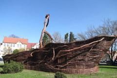 W Nowym Tomyślu powstał wiklinowy koszyk-gigant