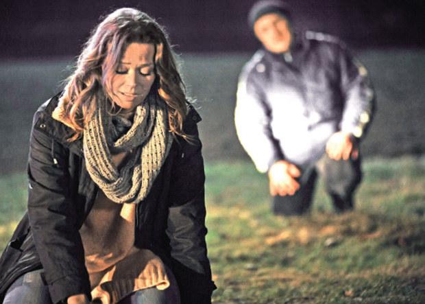 W odcinku 1150. cudem udało jej się wyjść cało z pożaru, który wzniecił zakochany w niej do szaleństwa Rafał Gołębiewski (Przemysław Bluszcz), uciekinier ze szpitala psychiatrycznego /Agencja W. Impact