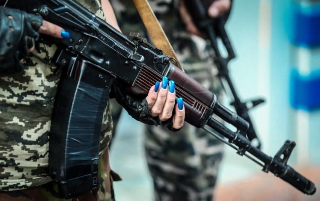 W oddziałach separatystów są również kobiety /Sergei Ilnitsky /PAP/EPA