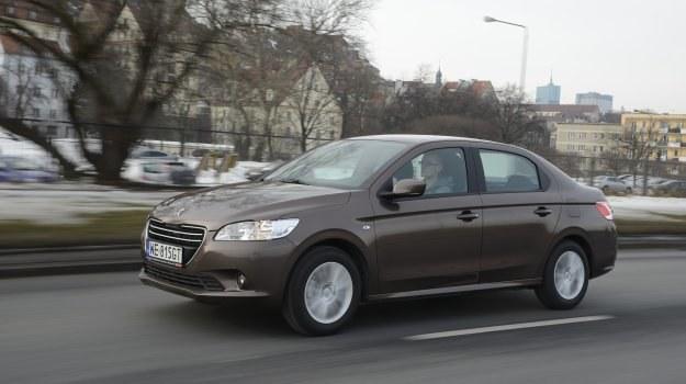 W ofercie jest wciąż tylko sedan. Jesteśmy pewni, że prezentacja odmiany kombi mocno poprawiłaby pozycję rynkową tego modelu w Polsce. /Motor