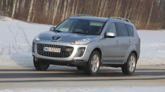 W ogłoszeniach można naliczyć około 45-50 Peugeotów 4007. Ceny – jak za Outlandera II. /Motor