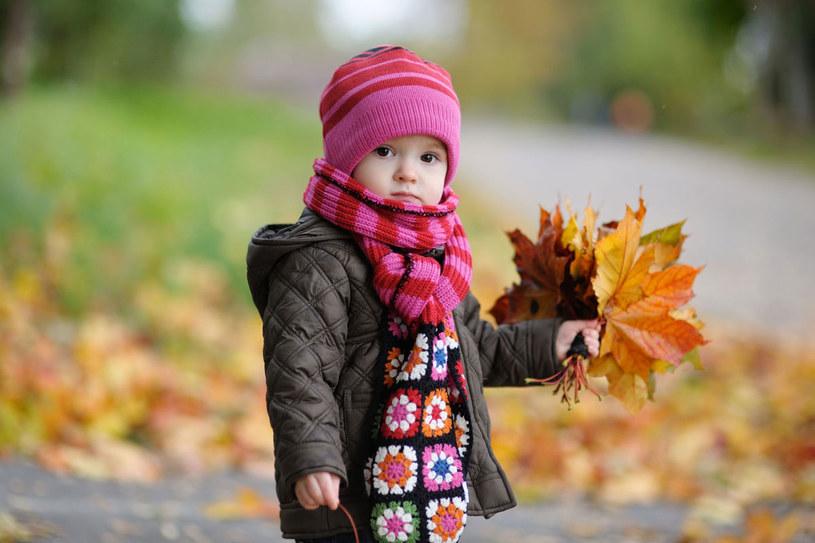 W okresie jesienno-zimowym zmieniają się potrzeby organizmu twojego dziecka. /123RF/PICSEL