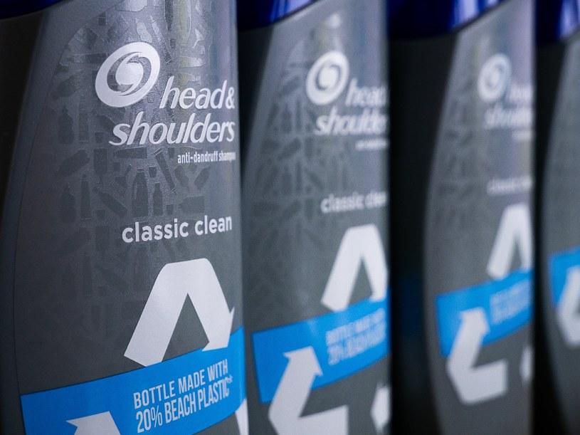 W opakowaniu Head & Shoulders Beach Bottle wykorzystano plastik zebrany na plażach /materiały prasowe