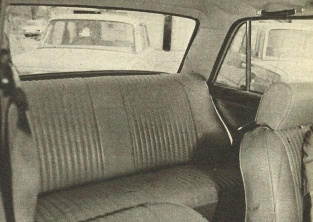 W oparciu tylnego siedzenia zniknął bardzo rzadko używany podłokietnik co powiększyło komfort jazdy dla środkowego pasażera tylnego siedzenia i zarazem uprościło technologię. /Motor
