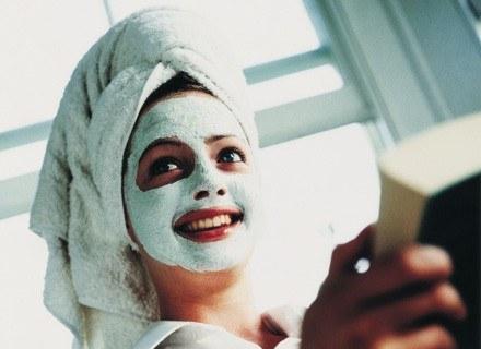 W ostateczności zostaje wizyta u kosmetyczki /ThetaXstock