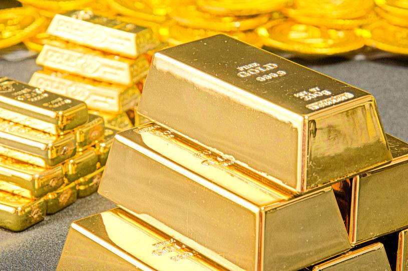 W ostatnich 20 latach najlepiej wypadły inwestycje w złoto /123RF/PICSEL