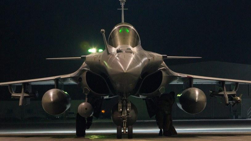 W ostatnich dniach ataki na cele IS przeprowadziła Francja /PAP/EPA