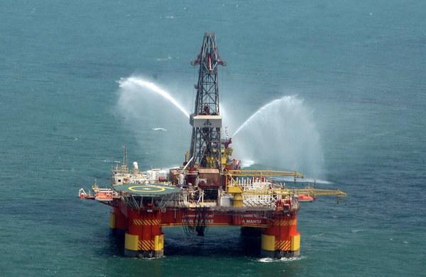 W ostatnich dniach najwięcej emocji budzi rynek ropy naftowej /AFP