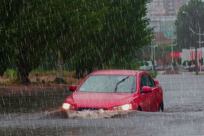 W ostatnich tygodniach w wielu regionach Polski występują obfite opady deszczu, często o charakterze nawalnym /123RF/PICSEL