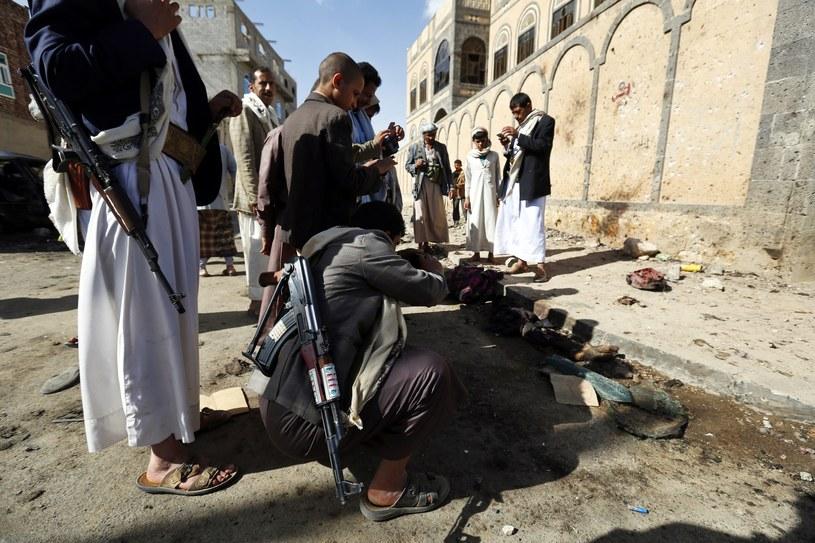 W ostatnich zamachach na meczety w Sanie rannych zostało kilkaset osób /PAP/EPA