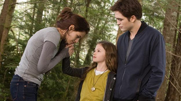 """W ostatniej części """"Zmierzchu"""" poznamy córkę Belli i Edwarda. /materiały dystrybutora"""