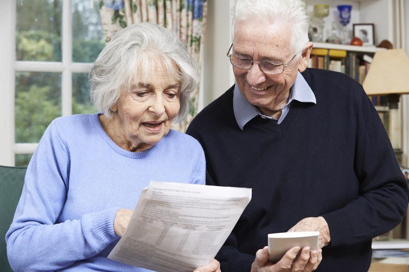 W ostatnim czasie media obiegła informacja, że nowelizacja przepisów ubezpieczeniowych pozwoli ZUS żądać zwrotu emerytur nawet od tych osób, którym przyznano je w wyniku błędu organu /123RF/PICSEL