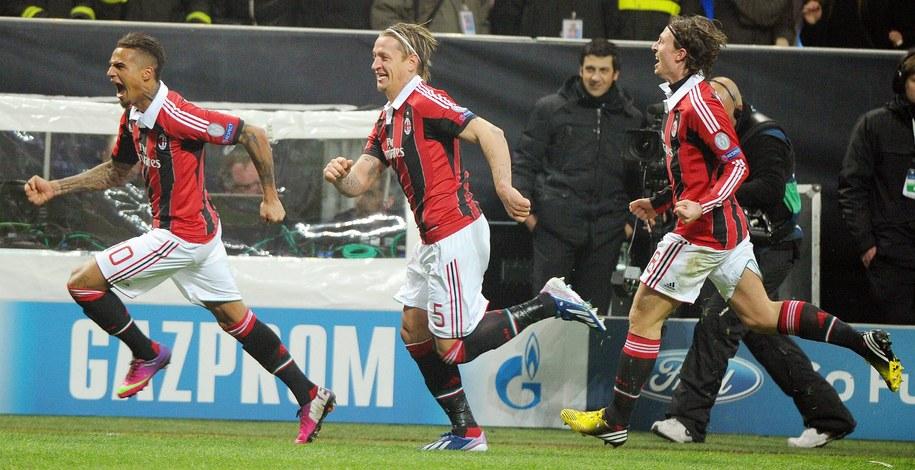 W ostatnim meczu AC Milan pokonał katalońskie gwiazdy 2:0 /DANIEL DAL ZENNARO  /PAP/EPA