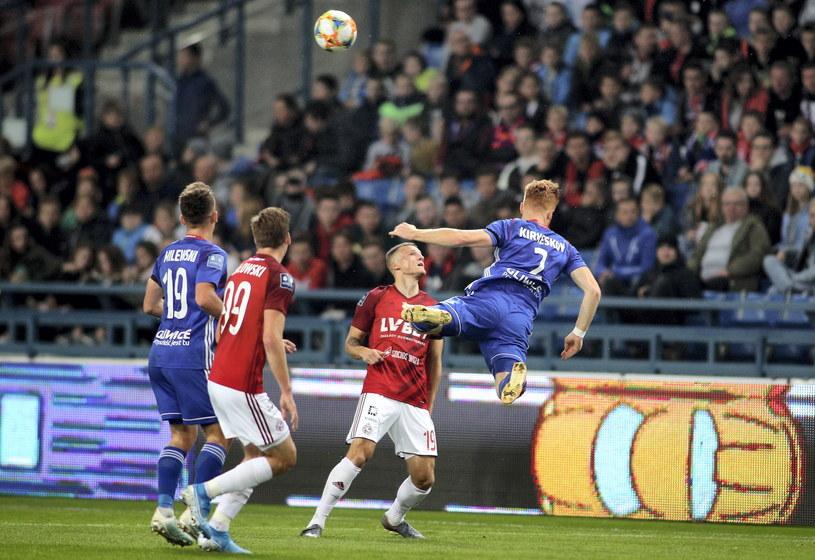 W ostatnim meczu Wisła Kraków przegrała z Piastem Gliwice 1-2 //Łukasz Gągulski /PAP