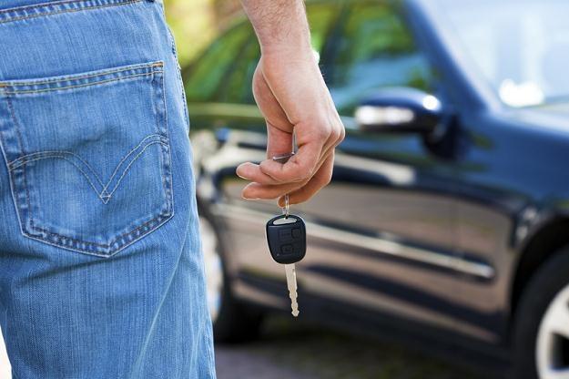 W ostatnim roku rynek kredytów samochodowych skurczył się jedną czwartą /© Panthermedia