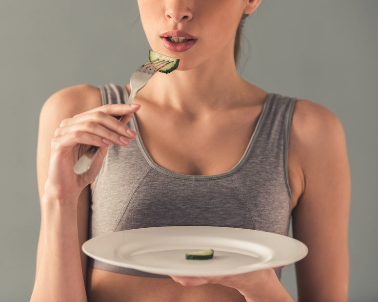 W ostrej postaci anoreksji mamy zaburzenia przypominające zaburzenia psychotyczne /123RF/PICSEL