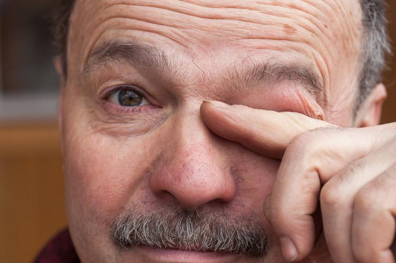 W pandemii wielu Polaków zaniedbało badania kontrolne wzroku. Efekt? Pogarszające się z miesiąca na miesiąc widzenie /123RF/PICSEL