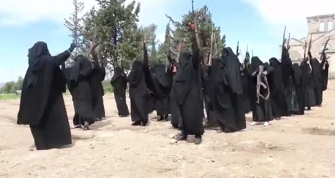 W Państwie Islamskim funkcjonują kobiece oddziały /YouTube