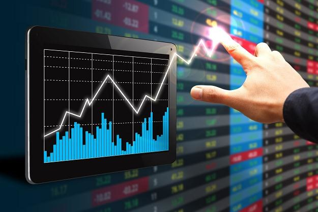 W październiku rewelacyjne zyski przyniosły fundusze inwestujące w małe i średnie spółki /©123RF/PICSEL