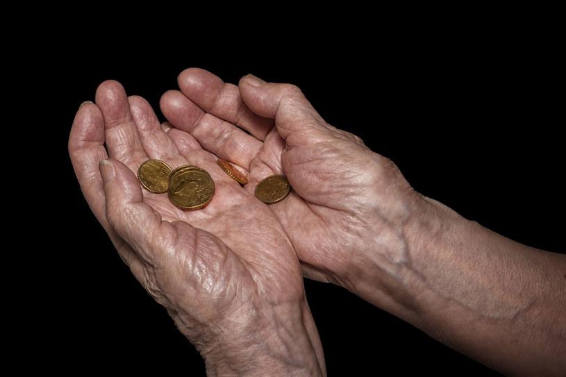 W perspektywie 15 lat Ukraina nie będzie w stanie wypłacać emerytur /123RF/PICSEL