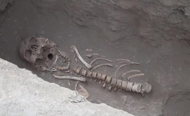 W Peru znaleziono grobowce. W nich szkielety ludzi złożonych w ofierze