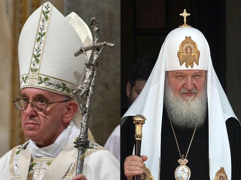W piątek Franciszek spotka się z patriarchą moskiewskim i całej Rusi Cyrylem /LOUISA GOULIAMAKI, ALBERTO PIZZOLI / AFP /AFP