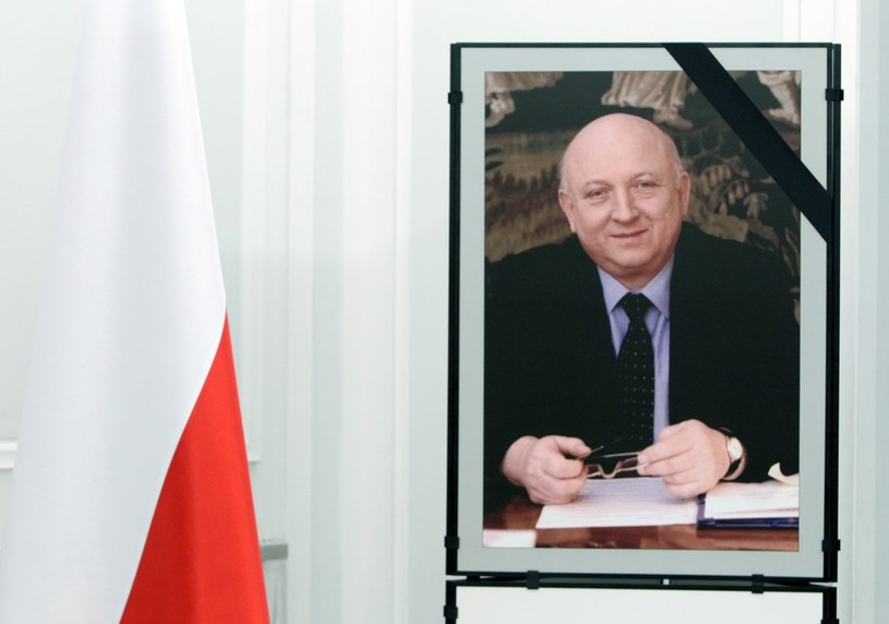 W piątek odbędzie się pogrzeb Józefa Oleksego /Stanisław Kowalczuk /East News