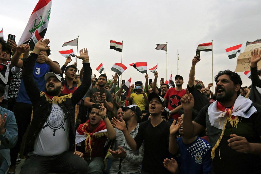 W piątek podczas demonstracji zginęło co najmniej 40 osób /FURQAN AL-AARAJI /PAP/EPA