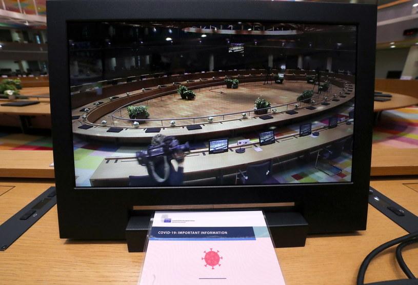 W piątek w Brukseli rozpocznie się dwudniowy szczyt UE /Yves Herman /PAP/EPA