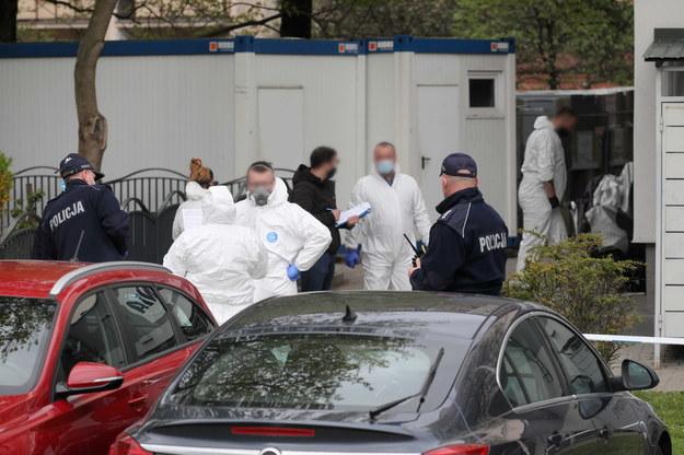 W piątek w pralni przy ulicy Bora Komorowskiego 4 w Warszawie doszło do strzelaniny /Paweł Supernak /PAP