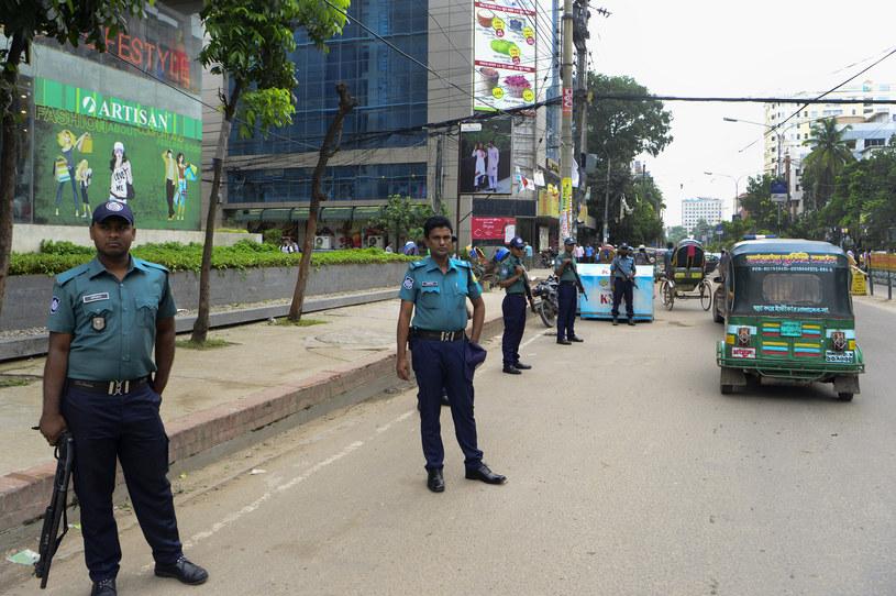 W piątek zakończyła się pierwsza faza szeroko zakrojonej operacji banglijskiej policji przeciwko dżihadystom /STR /AFP