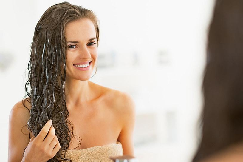 W pielęgnacji sięgnij również po naturalne składniki /123RF/PICSEL