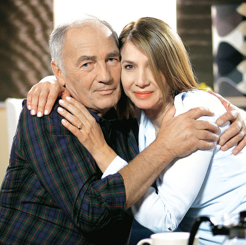 """W """"Pierwszej miłości"""" aktorkę możemy też oglądać w roli Grażyny Weksler, byłej żony Karola (Karol Strasburger) i matki Sabiny (Urszula Dębska) /Świat Seriali"""