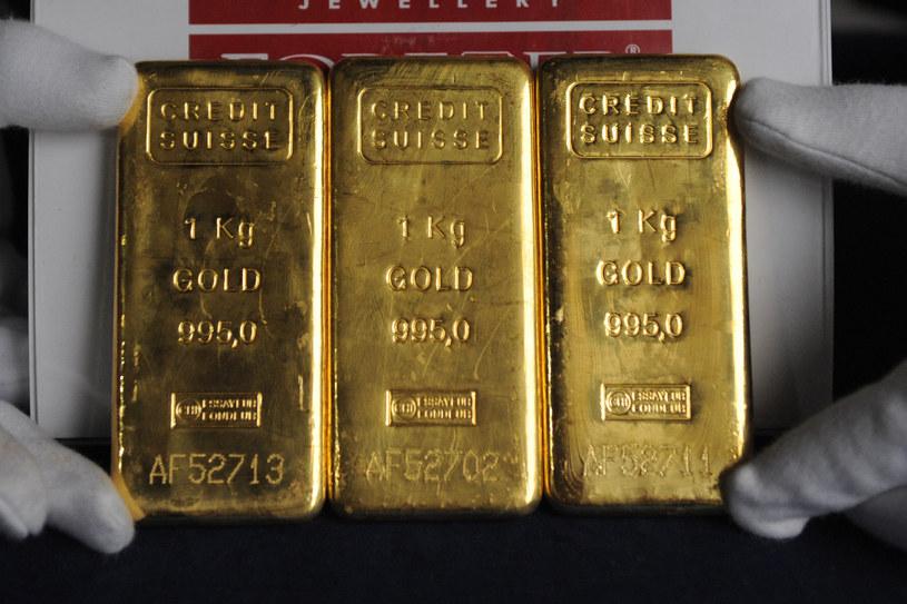W pierwszym półroczu 2021 banki centralne kupiły 333 tony złota /AFP