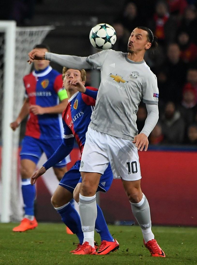 """W piłkę mamy często """"Ibra-kadabra"""", ale w kręgle Zlatan Ibrahimović mistrzem nie jest. /AFP"""