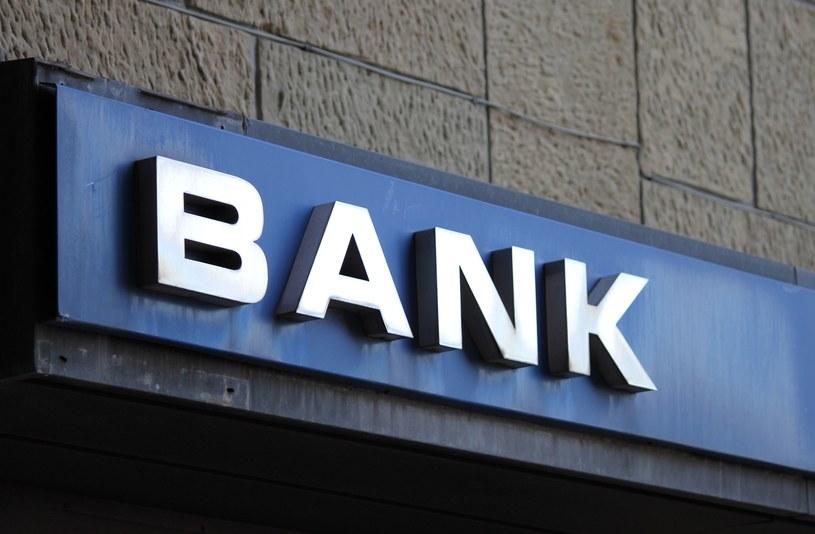 W placówkach bankowych ruch spadł nawet o 50 proc. /123RF/PICSEL