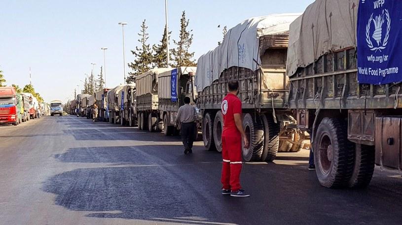 W pobliżu Aleppo doszło do ataku na konwój z pomocą, 12 zabitych /PAP/EPA