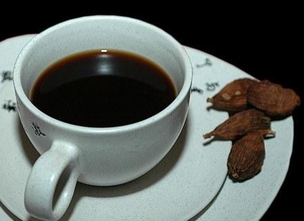 W pojedynku między kawą a herbatą padł remis /MWMedia