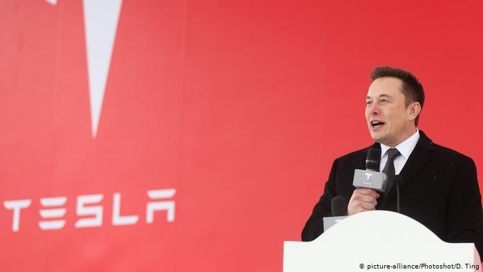 W połowie listopada szef Tesli Elon Musk ogłosił, że w pobliżu niemieckiej stolicy powstanie pierwsza europejska fabryka koncernu /Deutsche Welle