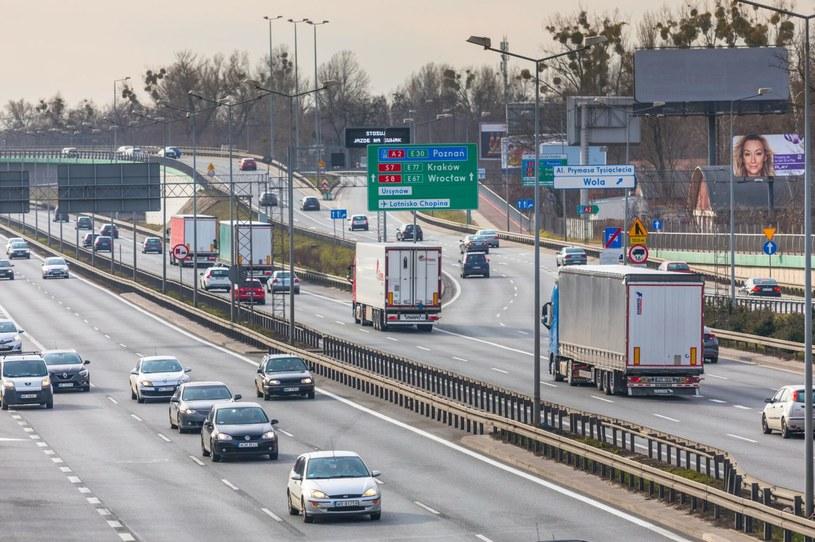 W Polsce brakuje tysięcy kierowców. Jest gorzej niż w Wielkiej Brytanii! /Agencja SE/East News