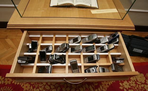 W Polsce było 56,52 mln abonentów i użytkowników telefonii komórkowej. Fot. Piotr Blawicki /Agencja SE/East News