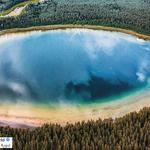 W Polsce jest jezioro, które wygląda, jak rajska wyspa