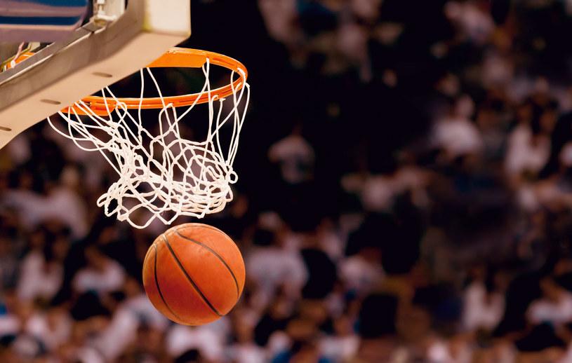 W Polsce koszykówka jest wciąż rozwijającą się dyscypliną sportu /123RF/PICSEL