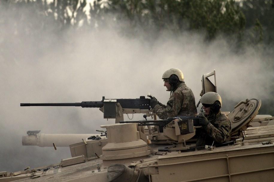 W Polsce miałyby się znaleźć m.in. amerykańskie czołgi / VALDA KALNINA    /PAP/EPA