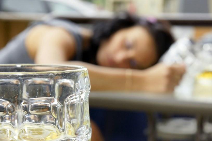 W Polsce może być rocznie nawet 20 tysięcy ofiar z powodu alkoholu /123RF/PICSEL
