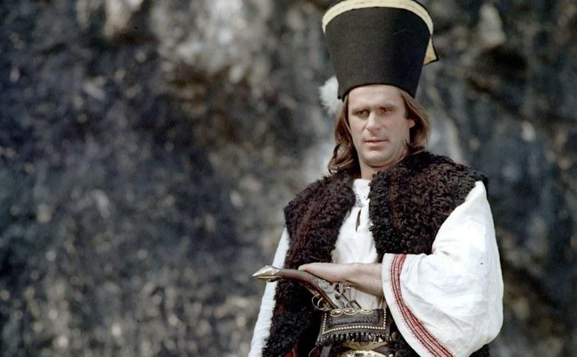 W Polsce najpopularniejszą opowieścią o Janosiku jest film telewizyjny Jerzego Passendorfera /East News/POLFILM