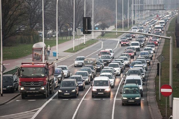 W Polsce nikomu nie przyjdzie do głowy ograniczanie ruchu samochodów / Fot: Jakub Wysocki /Reporter