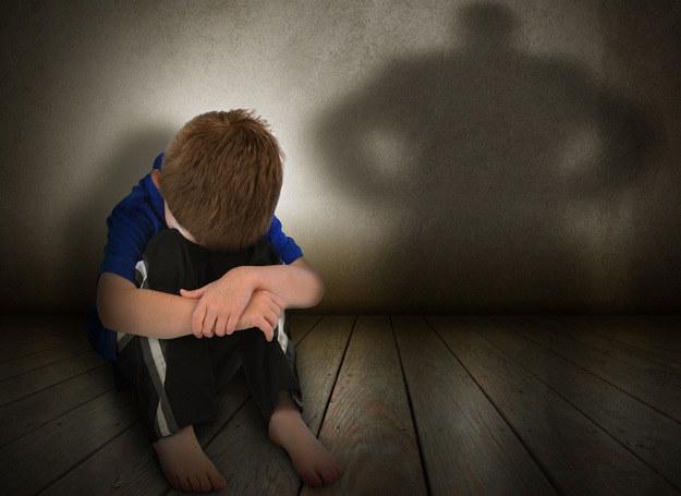 W Polsce od 2010 r. stosować przemocy wobec dzieci nie można, ponieważ obowiązuje prawny, całkowity zakaz kar cielesnych /123RF/PICSEL