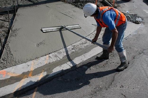 W Polsce pracuje 300 tys. cudzoziemców /AFP
