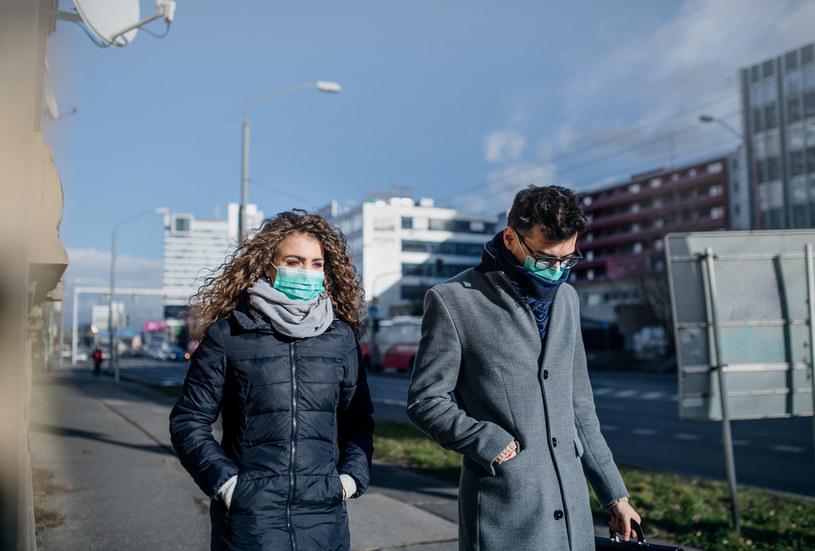 W Polsce przed pandemią – według danych Eurostatu - rozstawało niemal co trzecie małżeństwo, a z roku na rok liczba rozstających się małżeństw rosła. /123RF/PICSEL